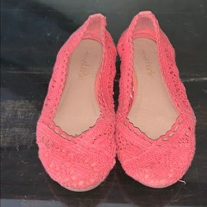 Crocheted Coral Women's Flats